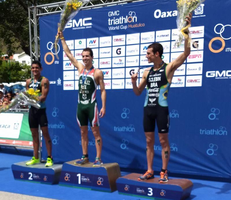 Brasileiros campeões na WCT Huatulco