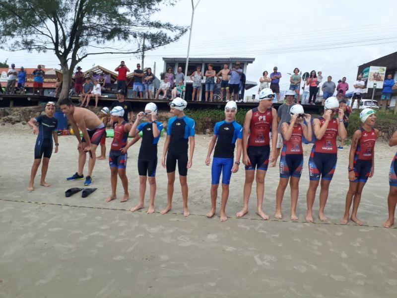 Encontro de Atletas Infantis participantes do 27. Triathlon de Garopaba